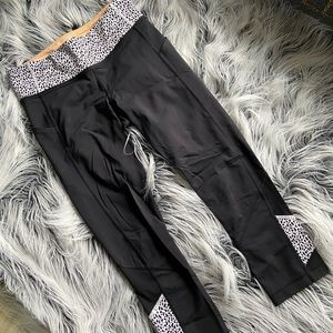 Lululemon cropped workout tights